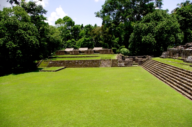 Mayan Ball Court copia