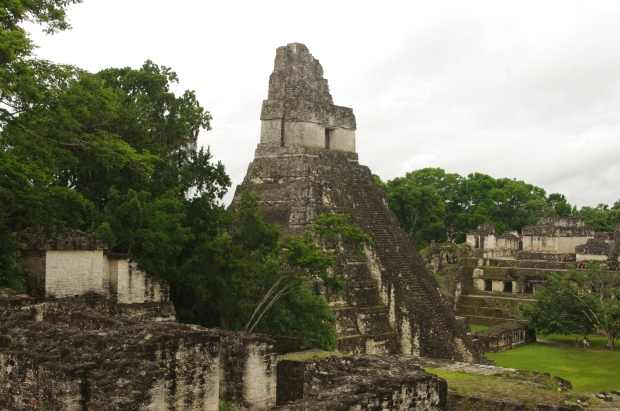 Temple in Tikal.JPG